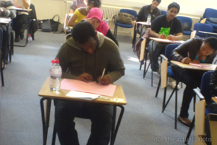 Professor Adds A Fake Question In His Exam To Catch Cheaters & Catches 14 Students Red Handed