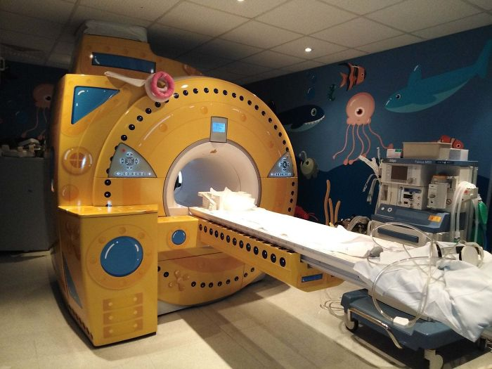 Doctors Paint The MRI Machine In The Children's Clinic To Look Like A Submarine