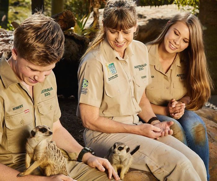 Since Half A Billion Animals Were Potentially Lost In Australian Bushfires, The Irwin Family Stepped In And Already Helped Over 90,000 Animals