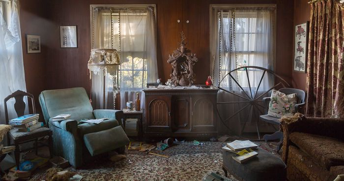 This German American House Was Left Behind With All Its Belonging Still Inside (17 Pics)