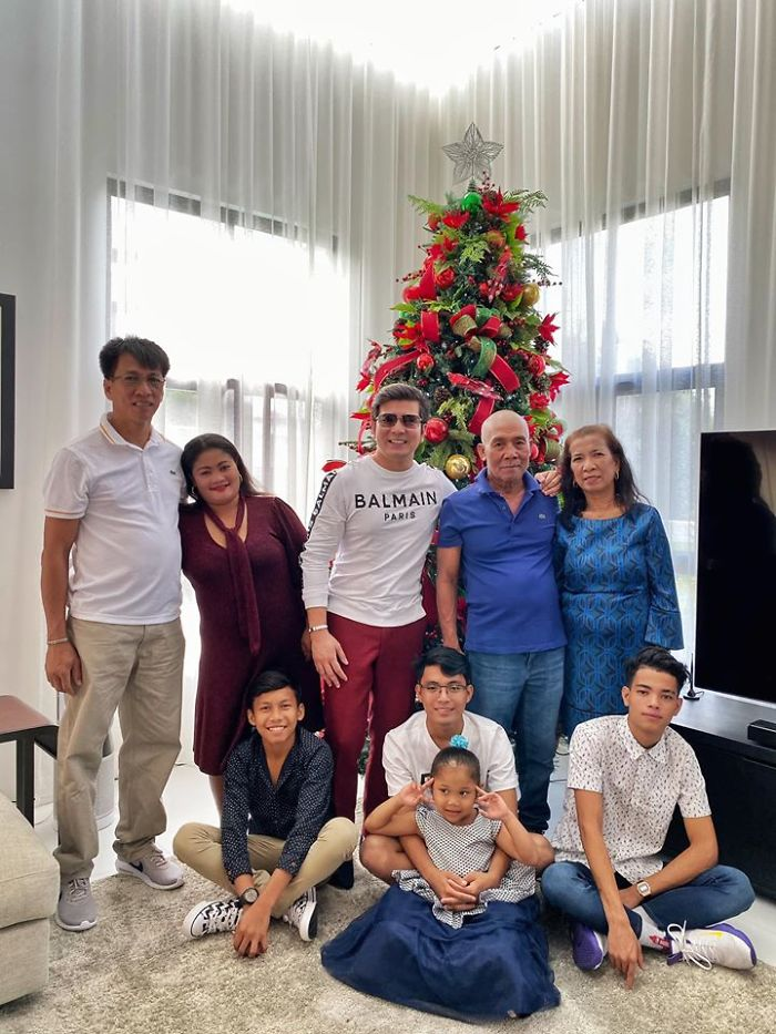 Adopted Son Repays The Poor Couple Who Took Him In As A Kid By Giving Them Their Dream Life, Goes Viral