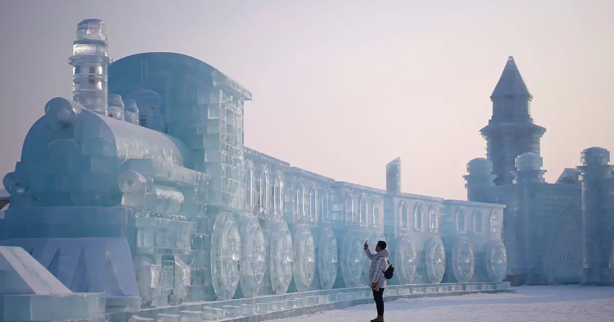 24 Breathtaking Photos From The World's Largest Snow And Ice Festival Happening In China