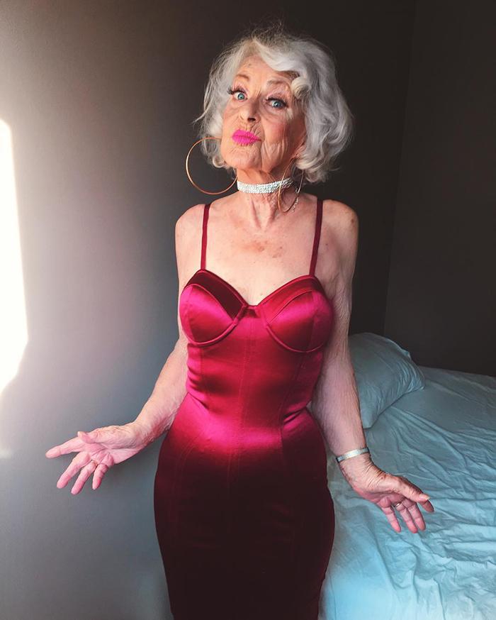Стильная бабушка