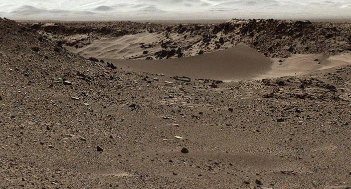 Curiosity Mars Rover Approaches 'Dingo Gap,' Mastcam View