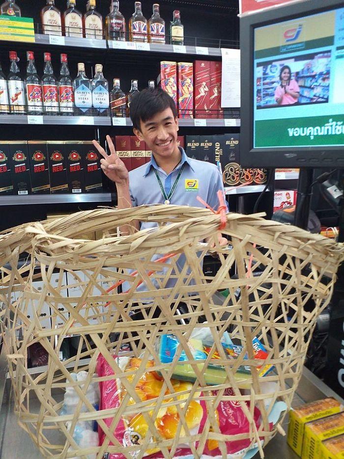 Neobvyklý-Ways-People-Riešenie-Plastic-Bag-Ban-Thailand
