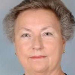 Leah PettePiece