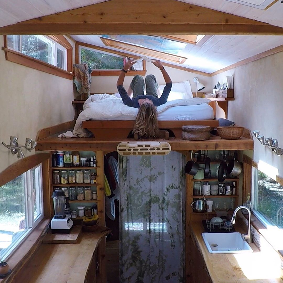 Woman Living In A Cozy 22′ Long Tiny House For 5 Years.