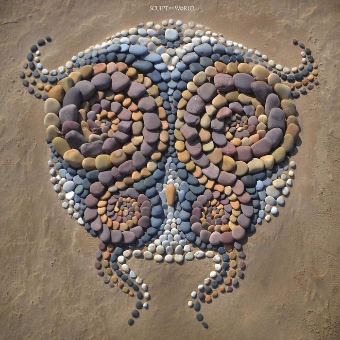 Artist Arranges Stones In Stunning Patterns On The Beach, Finds It Very Therapeutic (30 Pics)