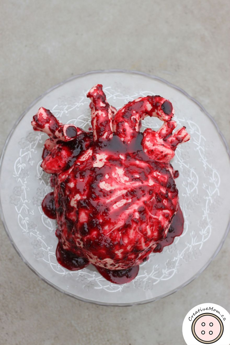 I Made This Valentine's Day Realistic Human Heart Cake And Here's How