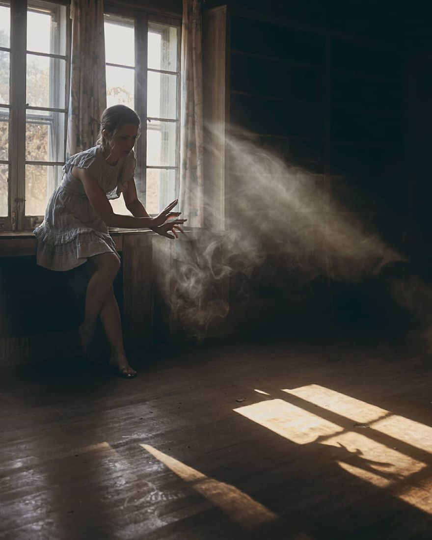 Photographer Tells Haunting Stories With His Cinematic Night-Time Photos