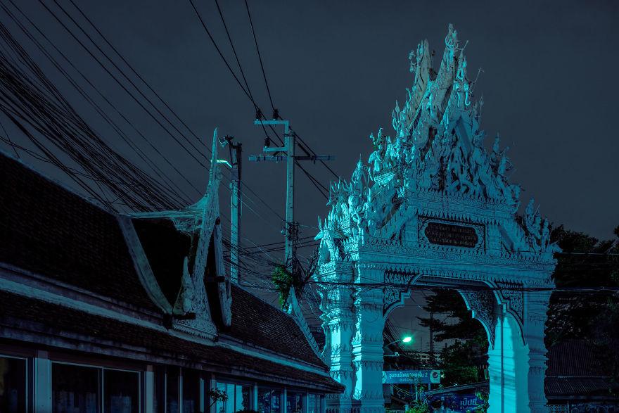 Bangkok Phosphors / Wat Khlong Toei Temple