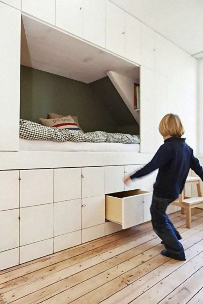 Built In Wardrobe And A Cozy Bed Fits Everything In One Wall