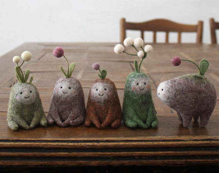 Esta artista dramática recibió un paquete de lana como regalo, y se convirtió en diseñadora de juguetes (35 fotos)