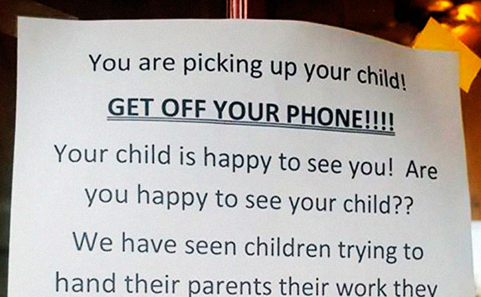 Daycare's Message Shaming Parents Over Using Their Phones When They Pick Up Kids Gets Shared Over 2M Times