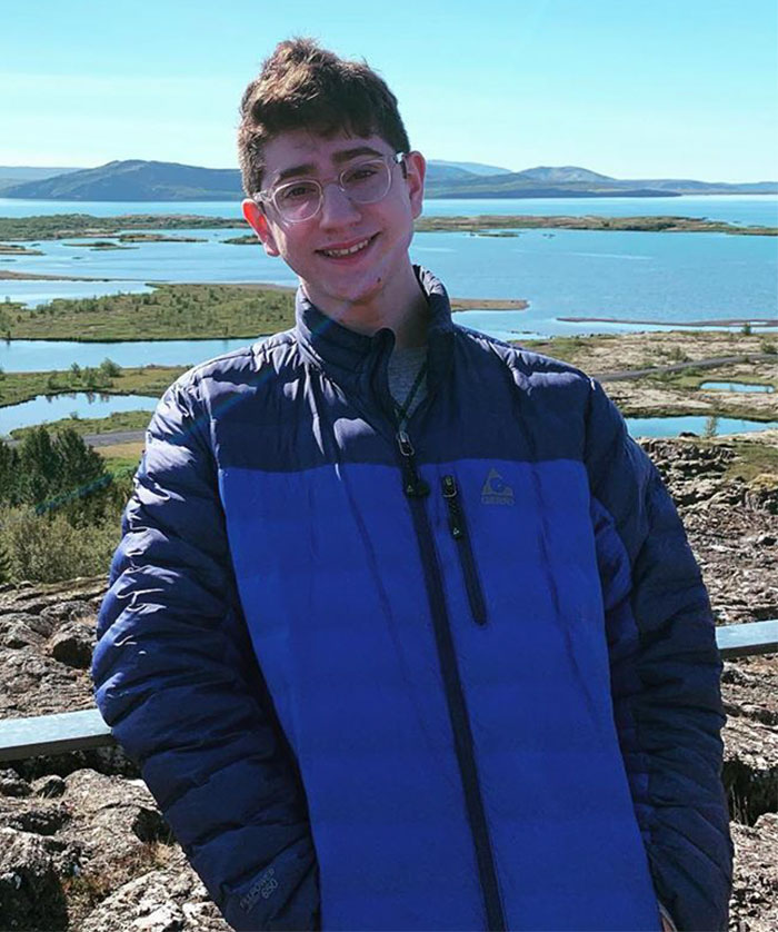 17-Year-Old Figures Out How To Put All The Data About Coronavirus Into One Website And Now Millions Are Using It