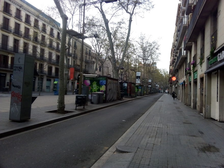 I Captured The Lockdown Of Downtown Barcelona