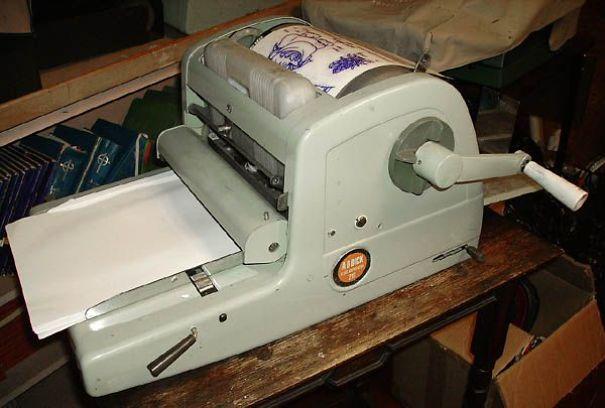 Mimeograph-machine-5e832f6d1f6dc.jpg