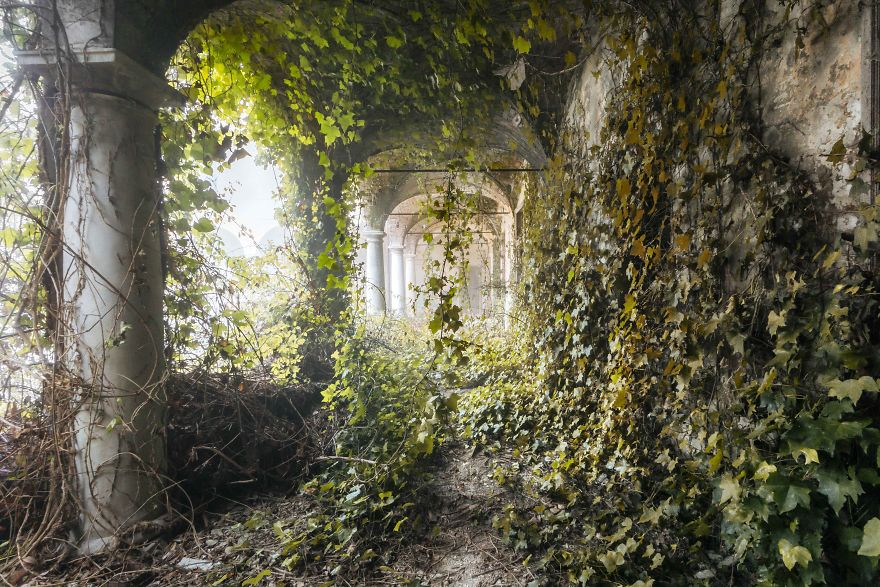 I Found Beautiful Abandoned Places In Italy