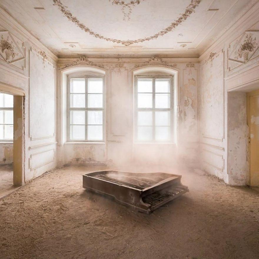Impressive Abandoned Palace In Poland