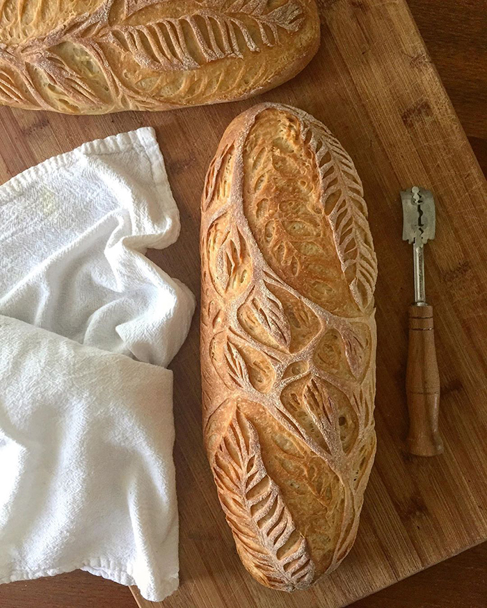 Pekarica koji stvara domišljate dizajne od domaćeg kruha