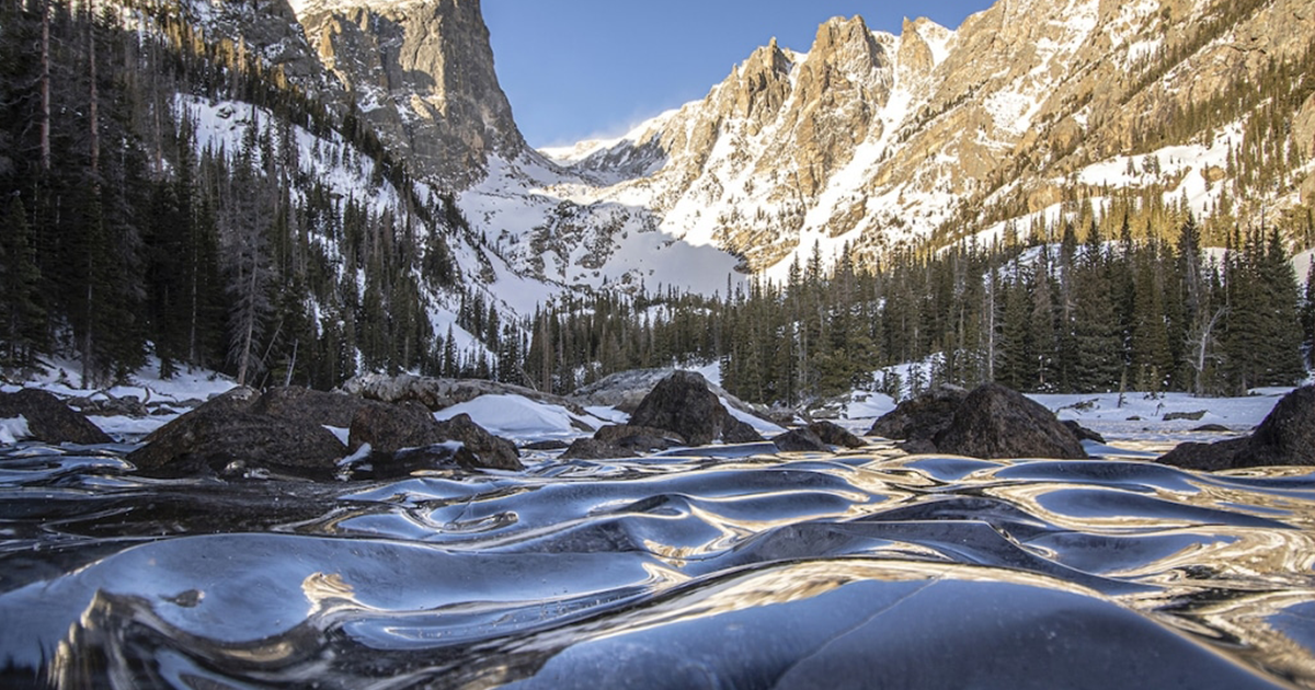 Photographer Captures Frozen Waves Of Dream Lake, Colorado Looking Like Glassy Dunes