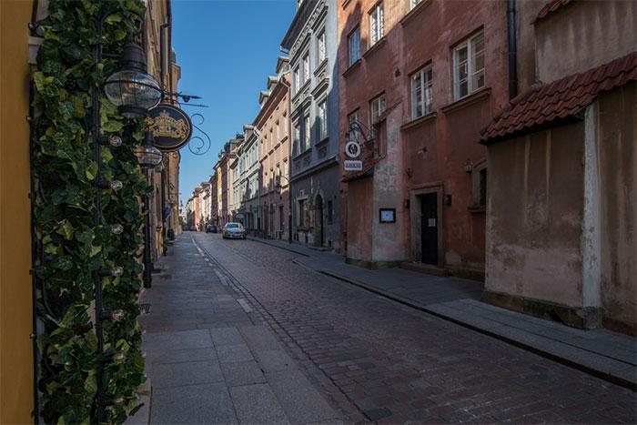 My 21 Pics Of What Coronavirus Has Done To Warsaw, Poland