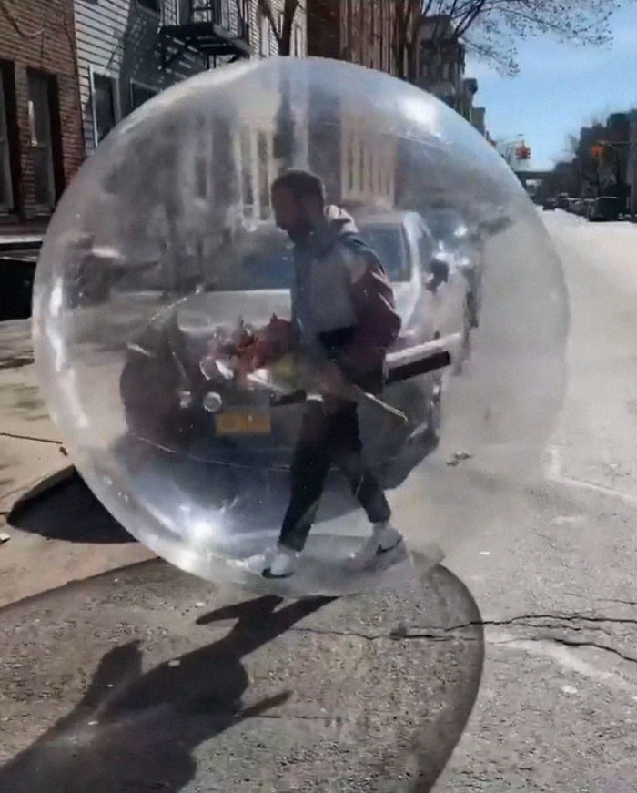 Remember The Drone Guy Who Asked Out A Girl Dancing On A Roof? He Finally Met Her In A Giant Inflatable Ball