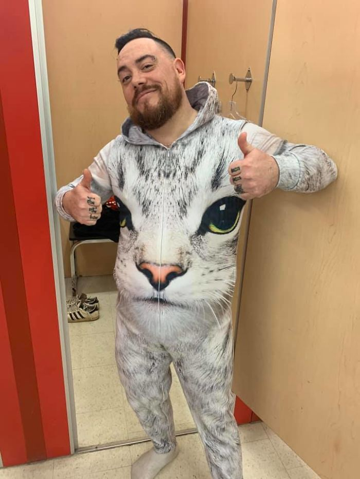 Saw This Ab-So-Lute-Lee Deadly Cat Onesie At Vv In Chilliwack, Bc - I So Very Much Wanted It, Alas, I Was Denied Since It Fit A Little Too Snuggly In Some Areas. Had To Have A Pic As Proof It Exists And I Temporarily Rawked It