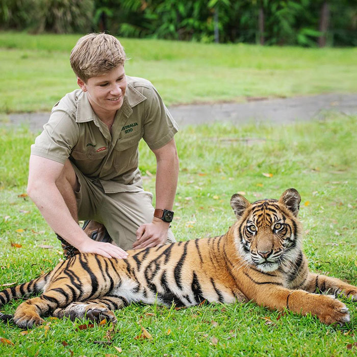 """Robert Irwin Goes On A Hilarious Expedition To Find """"One Of The Most Endangered Species On The Planet"""""""