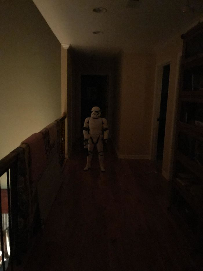 Mi sobrino de 4 años lo puso ahí anoche y casi me da un infarto