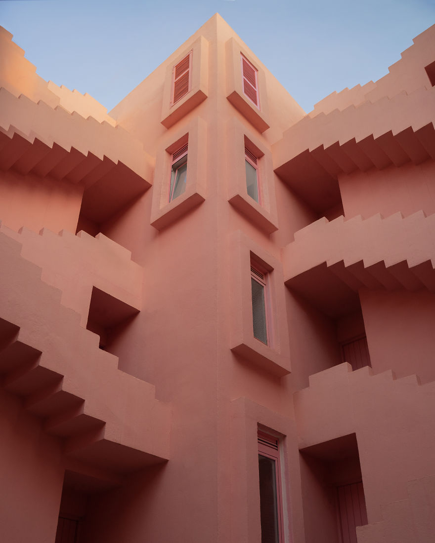 My 8 Images Prove That Ricardo Bofill's La Muralla Roja Is A Masterpiece Of Architecture And Aesthetics