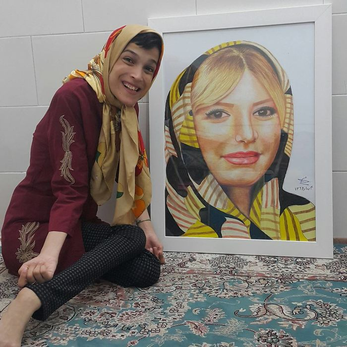 Disabled-Iranian-Artist-Draws-With-Feet-Fatemeh-Hammami-Nasrabadi
