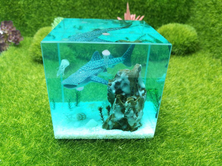 I Make Ocean Resin Dioramas
