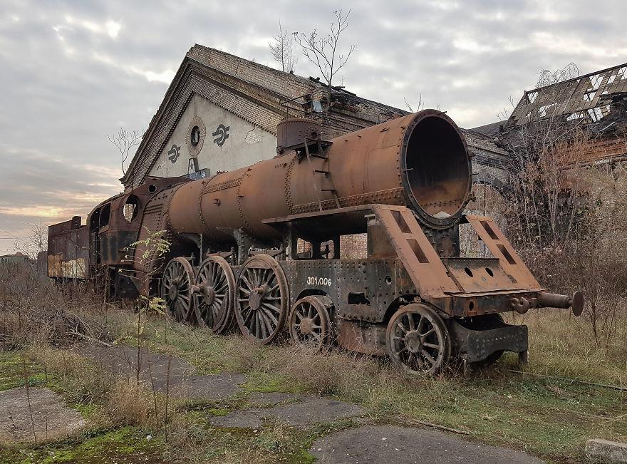 Abandoned Mav 301