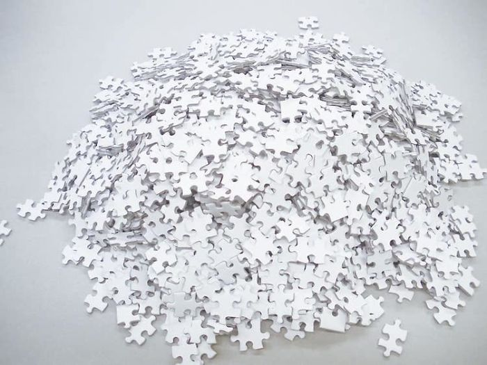 """Amazon Is Now Selling A 1000-Piece All-White """"Impossible"""" Puzzle For $20 And It Looks Like A Cruel Joke"""