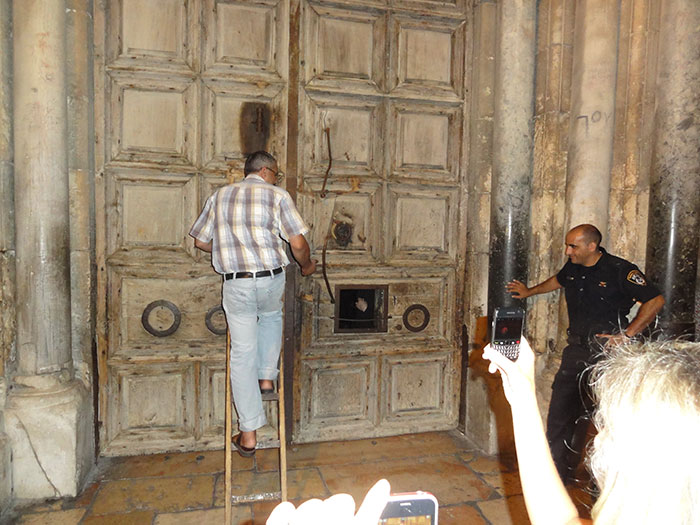 The Muslim Keymaster Of The Church Of The Holy Sepulchre Closed Its Doors For The First Time Since The Black Plague In 1349