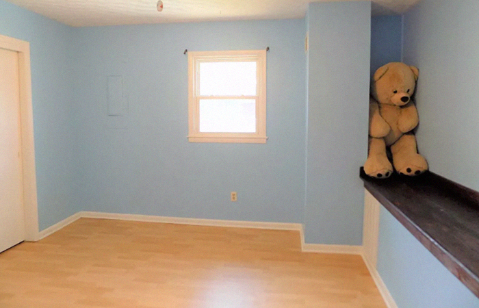 This Instagram Account Collects Terrible Real Estate Pics, And Here's 24 Of The Worst Ones (New Pics)