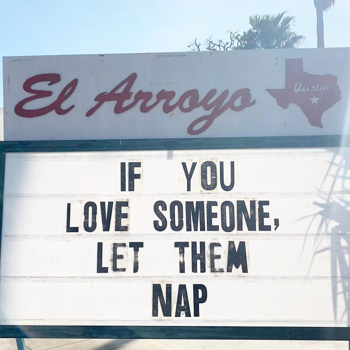 Funny-Restaurant-Signs-El-Arroyo-Texas