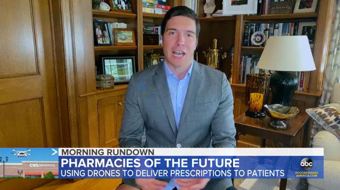 Reeve, repórter da ABC estava no ar vestindo apenas um paletó e sem calças e todos podiam ver suas pernas