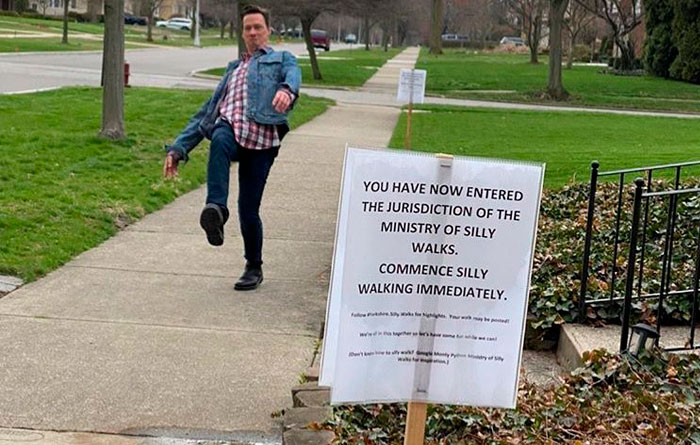 Here's How 30 People React To A Sign On The Sidewalk Telling Them To 'Commence Silly Walking'
