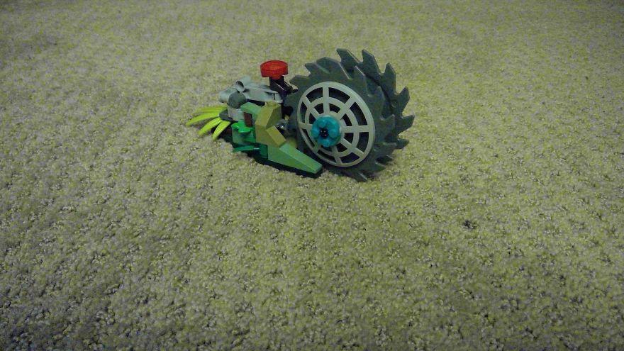 Spiky Roller Slingshot