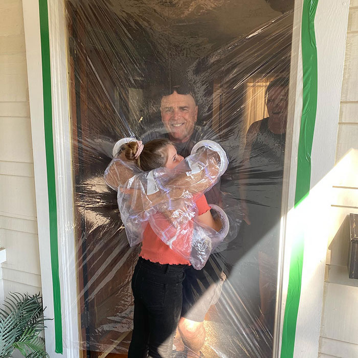 10-Year-Old Designs A Plastic Curtain To Be Able To Hug Her Grandparents Safely During Quarantine