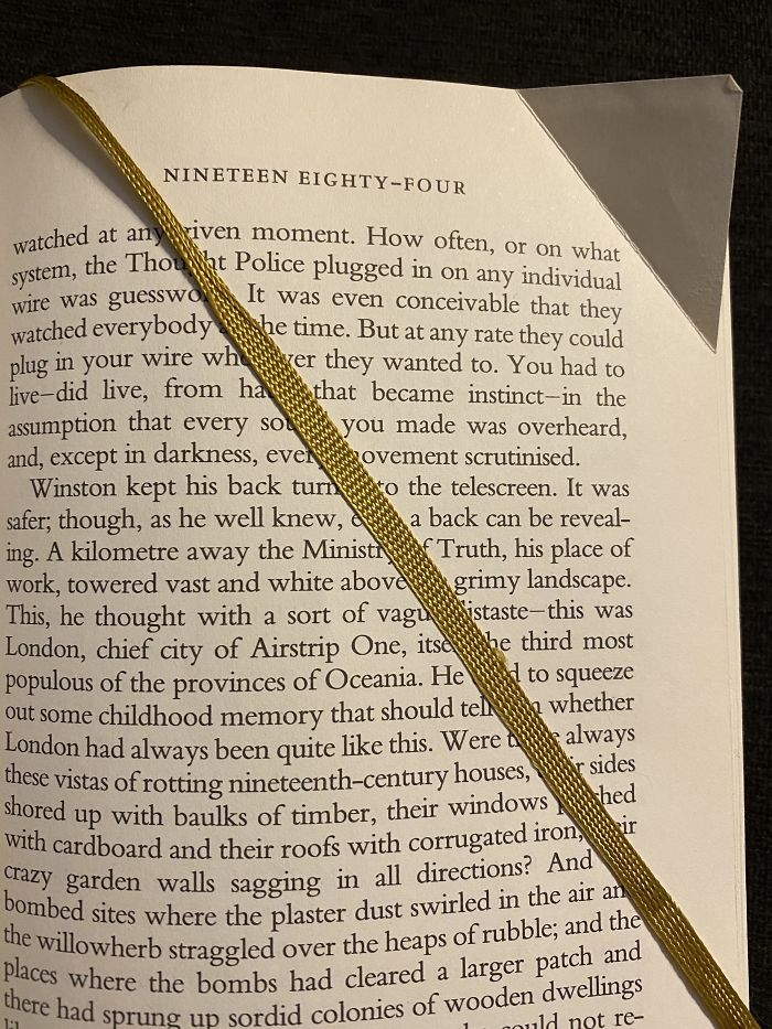 Folding A Page In A Library Book When It Has A Built-In Bookmark