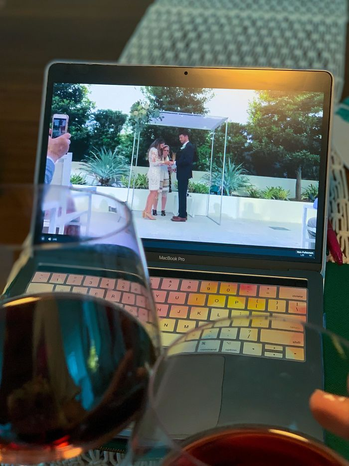 """My Friends Said """"F**k Corona"""", Washed Their Hands, Got Married, And Live-Streamed The Whole Thing So We Could All Celebrate With Them"""