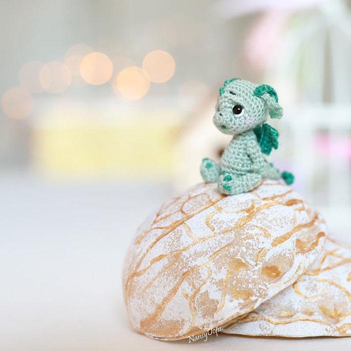 LucyRavenscar - Crochet Creatures: Mini Pets in Eggs - Dragon Hatchling Amigurumi  Patterns   700x700