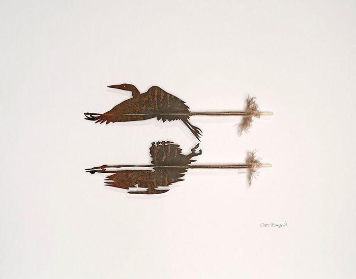Крис Мейнард в Featherfolio возвращается с большим количеством резных перьев