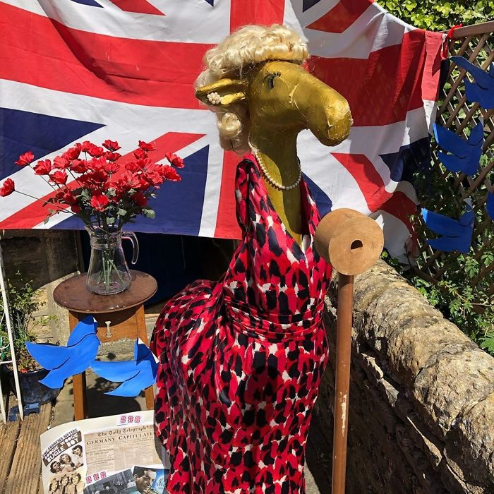Gloria Is Very Keen To Celebrate VE Day