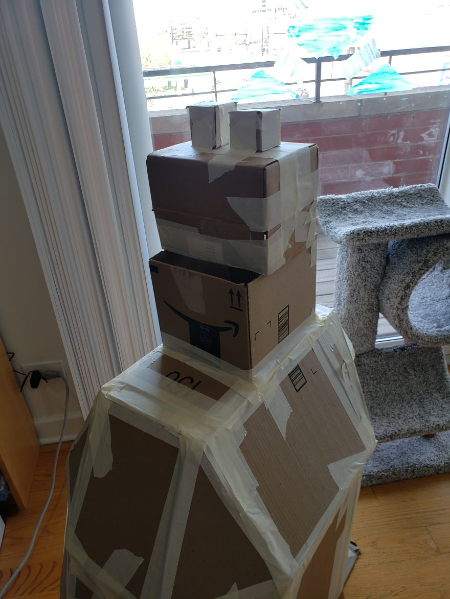I Built This Dalek For My Cats Out Of Cardboard Boxes, And Topsy And Turvy Are Thrilled