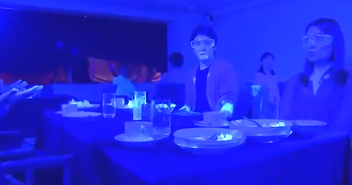 Japanese Black Light Experiment Shows How Quickly A Virus Like Covid-19 Can Spread At A Restaurant