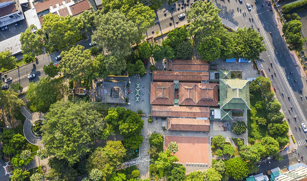 Vintage Saigon: Tomb Of Marshal Le Van Duyet